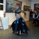 Пластическая импровизация в исполнении Натальи Карауловой